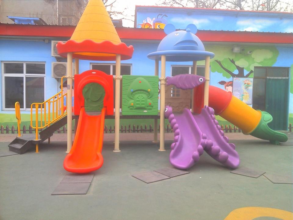 产品主要有:大,中,小型室内外游乐设施,幼儿园大型玩具,感统器材,蒙