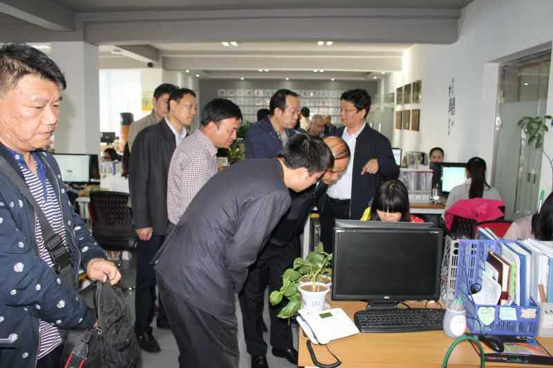 市长马誉峰现场了解工作