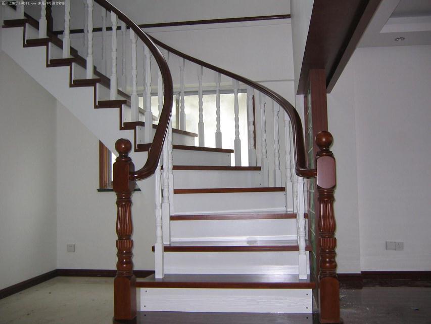 浙江仿古木结构楼梯图片