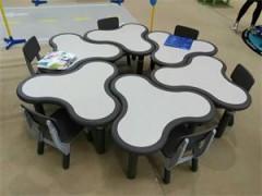 供应河北石家庄幼儿与实木课桌椅、豪华课桌椅