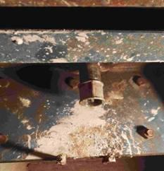 浇注拱顶混凝土时注浆口观察出浆.jpg