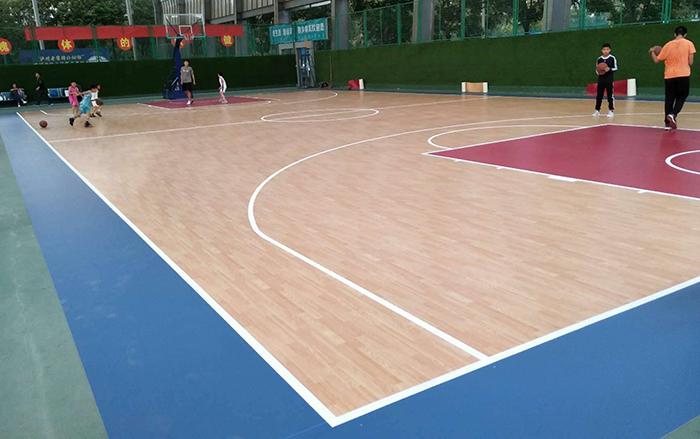 洛阳市体育场旁边篮球馆