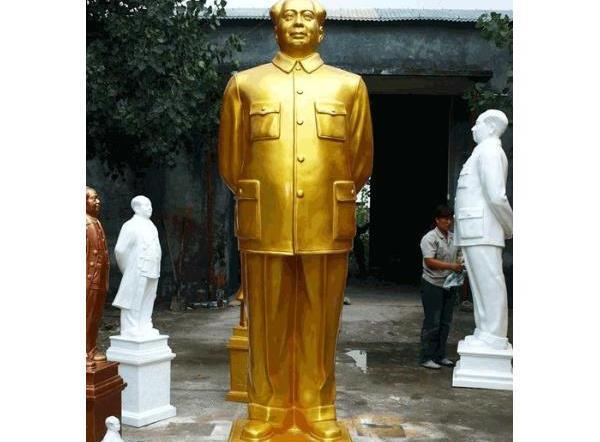 毛主席铜像_毛泽东雕像——伟人肖像