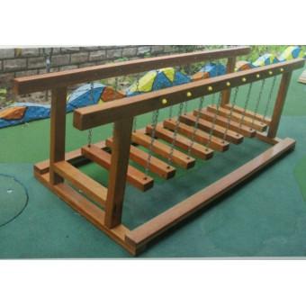 邱县幼儿园木制荡桥