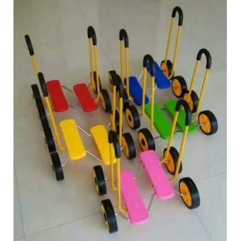 巨鹿幼儿园幼儿平衡车