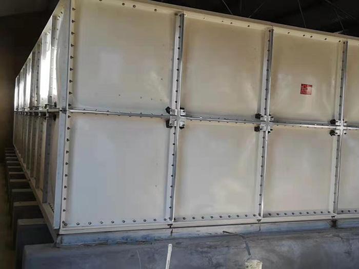 磁县汽车站玻璃钢水箱安装