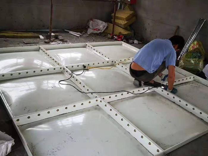 玻璃钢消防水箱安装