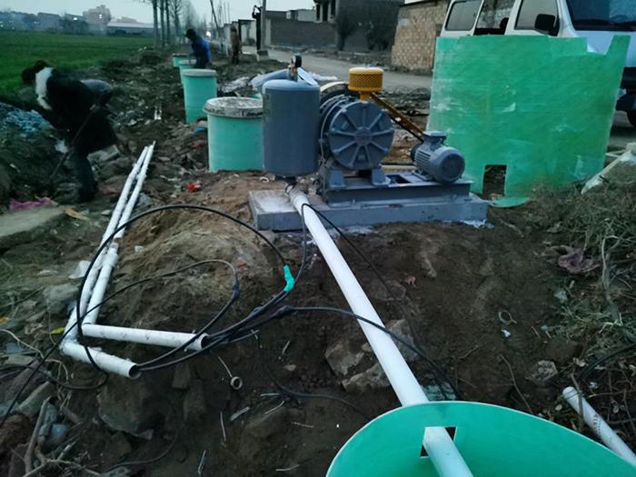 农村污水处理站产品一体化安装中 (2).jpg