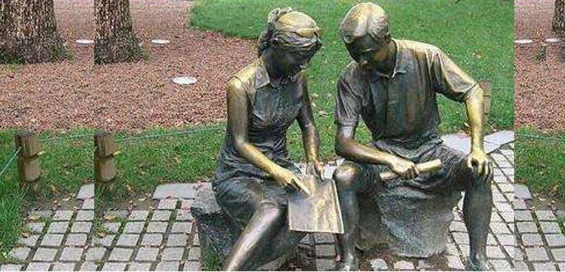 校园雕塑.jpeg
