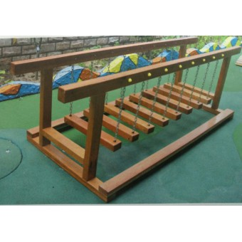 藁城幼儿园木制荡桥