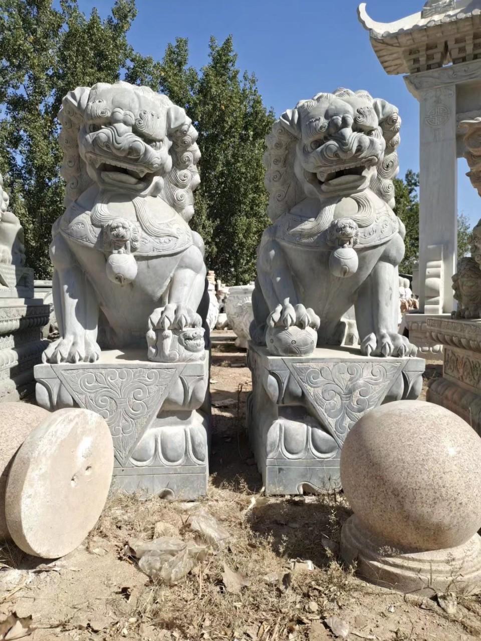 大理石石狮子也叫大理石石雕狮子